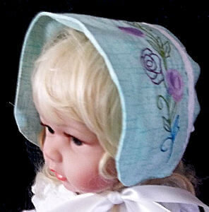 Embroidered baby bonnet for girls