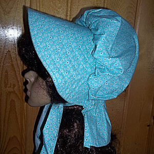 Delicious Turquoise blue ladies sunbonnet sports tiny contrasting flower outlines