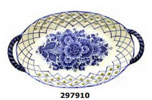 Oval lattice floral delft blue plate