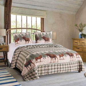 Beautiful elk and pine tree print on checkered and cream quilt cabin lodge duvet